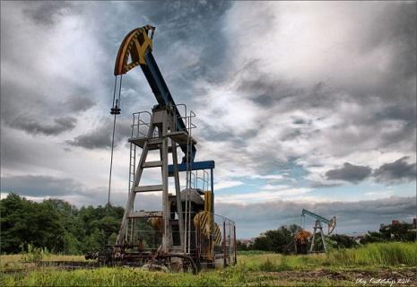 Путін не може повірити своїм очам: ціна нафти наближається до $70