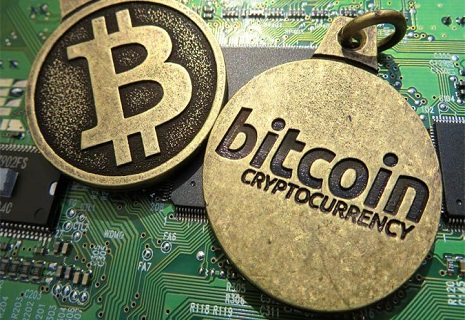 Bitcoin подолав
