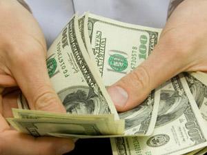 Що буде в Україні з доларом осінню? Прогнози!
