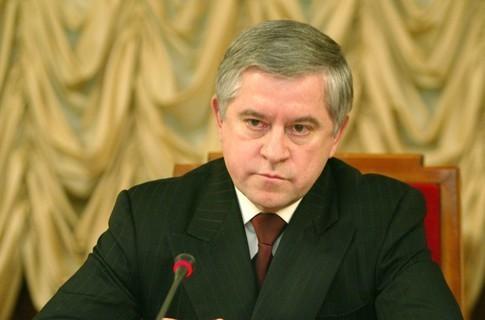 Кінах написав Януковичу про зупинку найбільших підприємств