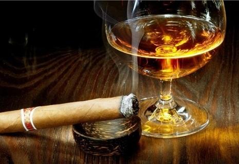 Сигарети та алкоголь знову подорожчають