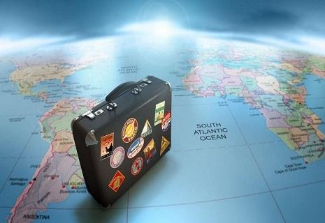 Українці можуть подорожувати без віз вже в 128 країн