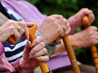 Українцям, які працюють за кордоном, обіцяють гідні пенсії