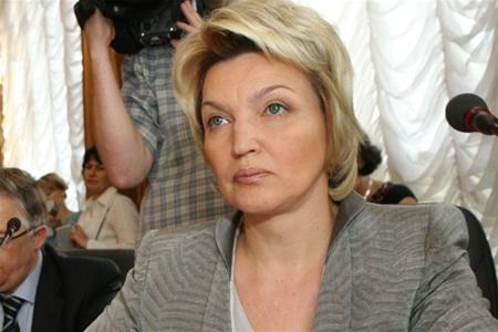 Богатырева: Правительство работает над введением референтных цен на медпрепараты
