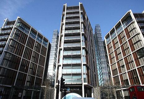 Прогулянка квартирою Ахметова в Лондоні (ФОТО)