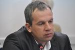 Українці панічно купують долара по політичним причинам - економіст