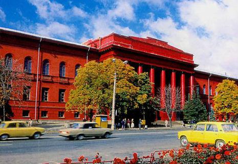 Українські виші не підвищать плату за навчання