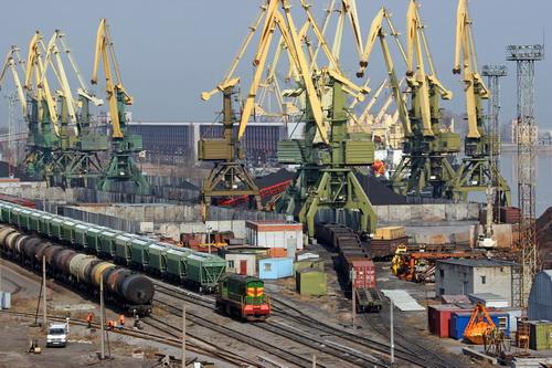 Дефіцит зовнішньої торгівлі товарами України в 2011 р. виріс на 52%
