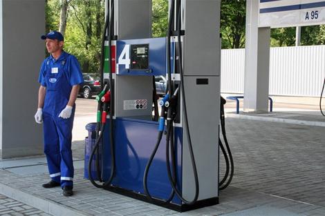 1-azs-zapravka-benzin.jpg (146.76 Kb)