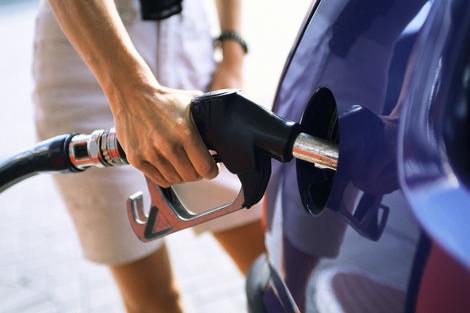 1381217565_benzin.jpg