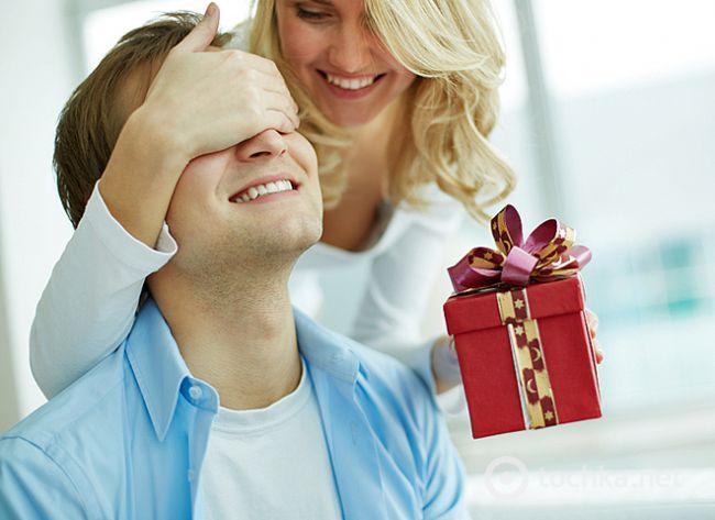 Мужчина любит но не дарит подарков 9