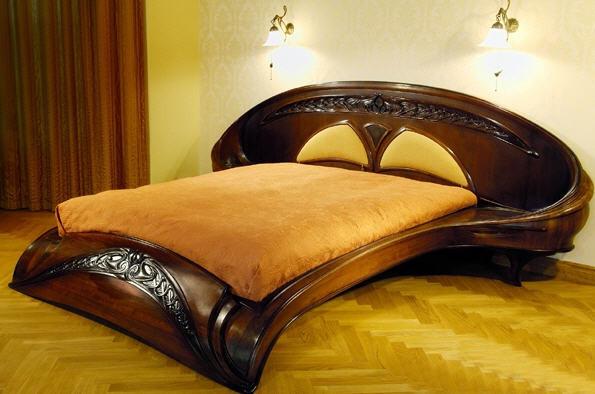 ліжко з дерева
