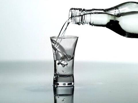 7534_1098_3439_vodka.jpg (76.27 Kb)