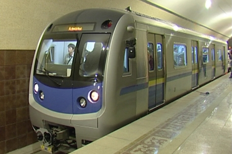 7763_poezd_almatinskogo_metro.jpg (104.18 Kb)