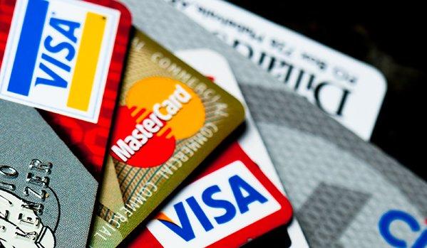 З банківських рахунків українців зникають гроші