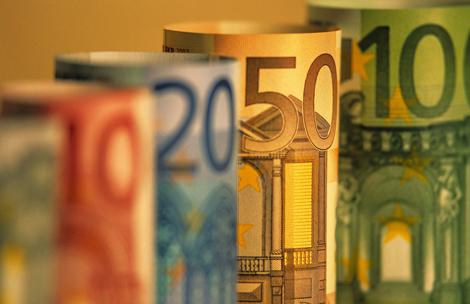 dengi_evro_valyuta_money_euro_makro_1920x1200.jpg (138.13 Kb)